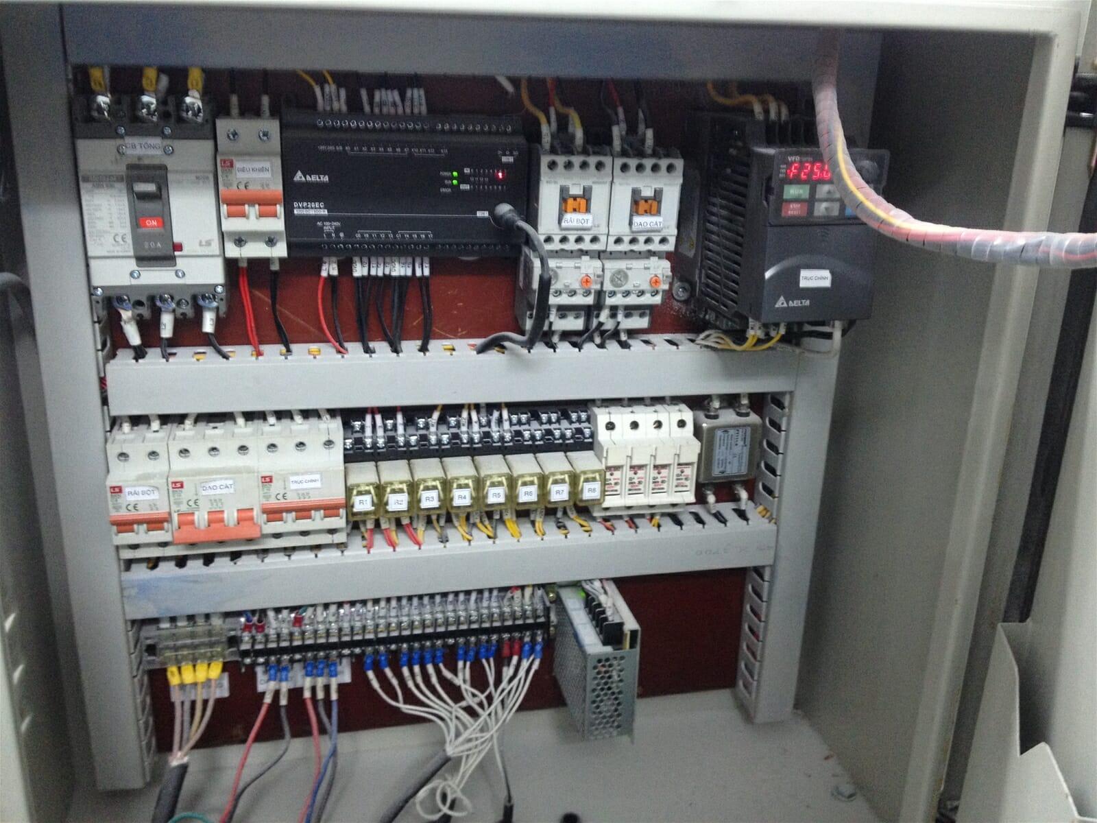 PLC Delta DVP-ES2